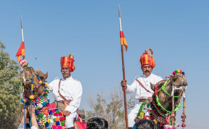 Men arriving on their camels, looking very regal!