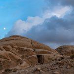 Moon rising, Petra